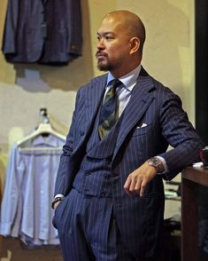 Three Piece Suit, 3 Piece Suits, Dandy Style, Grown Man, Skinny Ties, Summer Fashion Outfits, Gentleman Style, Mens Clothing Styles, Mens Suits