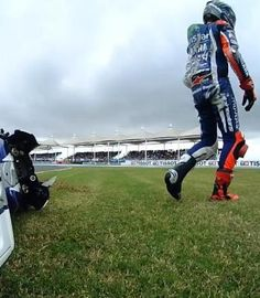 Opening races offer stark contrast for Lorenzo. Too many crashes across the grid this weekend in Argentina. Lorenzo walks away from his bike and looks forward to USA