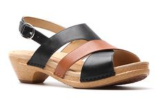 Crisscross strappy sandals! Dansko Lindy in black-caramel