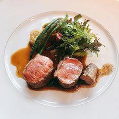 - - 週末はBEIGE ALAIN DUCASSE TOKYOで ランチを堪能してきました🍽💕 - 今度は屋上テラスにいってみたいなぁ✨ - - #weekendlunch #niku #lamb #steak #foodie #ginza #beigealainducassetokyo #chanel #michelin #foodpic #フレンチ #仔羊 #お肉 #肉 #ご馳走様でした #シャネル #素敵な空間 #ベージュアランデュカス #銀座 #ニナグルメ