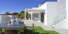 terraza con piscina - Una villa que te enamorará