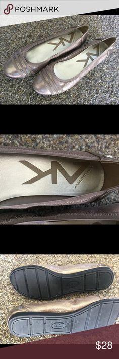 Ann Klein Sport flats Metallic flats nwot leather insole upper Anne Klein Sport Shoes Flats & Loafers