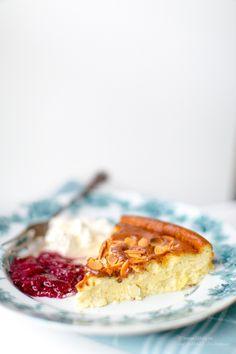 Heeeeeej på er! Jag blir tokig! Jag har i flera dagar varit på väg att göra ett gott LCHF bakrecept och varit… Raspberry Smoothie, Apple Smoothies, Paleo Recipes, Low Carb Recipes, Dessert Recipes, Lchf Diet, Ketogenic Diet, Swedish Recipes, Healthy Baking