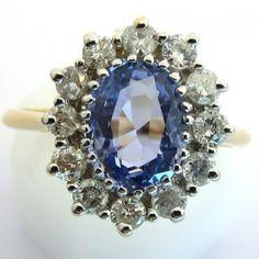 Bague de fiançailles d'occasion. Saphir bleu et or. 2500 euros TTC #bague #vintage #fiancailles #paris