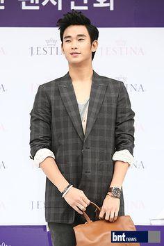 [June 10th 2012] Kim Soo Hyun (김수현) on J.ESTINA Fan Signing Event at Lotte Department Store (Jamsil Branch) #101 #KimSooHyun #SooHyun #JESTINA