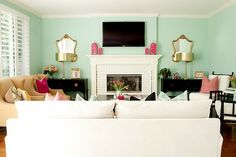 other side of the room Eclectic Family Room Design, Pictures, Remodel, Decor and Ideas - page 21 Living Room Inspiration, Home Decor Inspiration, Mint Green Walls, Aqua Walls, Decoracion Vintage Chic, Color Menta, Cute Living Room, Dream Rooms, Apartment Living