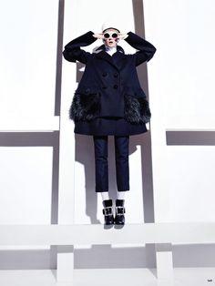 Какие брюки будут модными этой осенью продемонстрировала модель Лиза Кант (Lisa Cant) в сентябрьском номере модного журнала Canada's Fashion Magazine 2012.