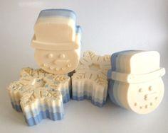 Christmas Soap, Homemade Christmas Gifts, Handmade Soap Recipes, Handmade Soaps, Homemade Bubbles, Soap Carving, Homemade Shampoo, Soap Maker, Cold Process Soap