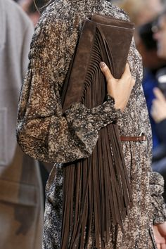 Michael Kors Fall 2014 Trends - Fashion Trends - Harper's BAZAAR love that clutch! Michael Kors Style, Sac Michael Kors, Michael Kors Fashion, Michael Kors Outlet, Looks Street Style, Looks Style, Style Me, 2014 Trends, Fall Trends