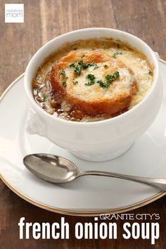 44 Classic French Meals You Need To Try Before You Die Everything you wanted to know about French food but were afraid to ask. Pictured: Soupe à L'oignon French Dishes, French Food, Classic French Onion Soup, French Classic, Onion Soup Recipes, Onion Soups, Quiche Recipes, Hot Pot, Soup And Salad