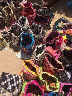 Mochilas Wayuu en el Cabo de la Vela. Guajira, Colombia. Foto Viviana Londoño Cabo De La Vela, Wilderness, Parts Of The Mass, Photos