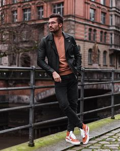 Men's Jackets For Every Occasion. Photo by Menswear Market Jackets are a must-have in the cold weather but it can also be used to accessorize an outfit. Great Mens Fashion, Latest Mens Fashion, Dope Fashion, I Love Fashion, Winter Fashion, Fashion Outfits, Fashion Trends, Fashion Menswear, Fashion 2020