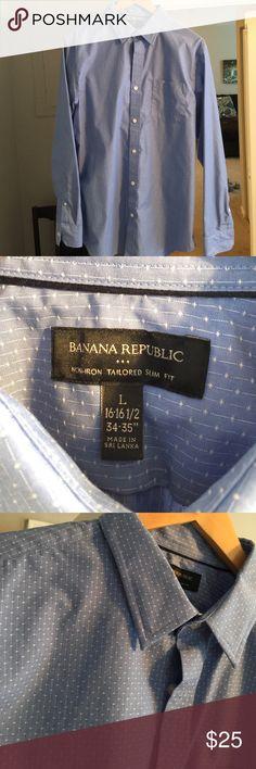 Banana Republic Tailored Slim Fit Dress Shirt Banana Republic Tailored Slim Fit Dress Shirt. Never worn but no tags. Banana Republic Shirts Dress Shirts