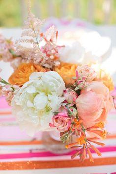 33 ideas succulent centerpiece babyshower floral arrangements for 2019 Floral Bouquets, Wedding Bouquets, Wedding Flowers, Pastel Bouquet, Peonies Bouquet, Purple Succulents, Growing Succulents, Succulent Wedding Centerpieces, Gold Bridal Showers