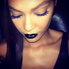 Joan Smalls showed how to pull off goth-glam makeup at the amfAR gala. Beauty And The Beat, Health And Beauty, Glam Makeup, Beauty Makeup, Face Makeup, Black Lipstick, Lipstick Kiss, Joan Smalls, Dark Lips