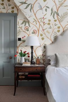 Master Bedroom in a Thames side townhouse by hàm interiors featuring Lewis and wood wild thing wallpaper wallpaper Henley Townhouse — Interior Design Small Master Bedroom, Home Bedroom, Bedroom Furniture, Bedroom Ideas, Master Bedroom Interior, Modern Bedroom, Furniture Ideas, Green Furniture, Bedroom Designs