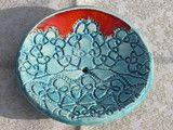 Keramik Seifenschale, Schmuckschale blau rot  Handgeformte Keramik Seifenschale mit Standfuß, welche aber auch als Schmuckschale oder sonstiges verwendet werden kann. Die Seifenschale wurde in...