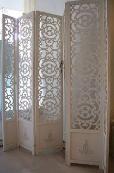 need this to cover up my full clothing rod and washer/dryer. oh the woos of studio living. Room Divider Screen, Room Screen, Room Deviders, Trumeau, Studio Living, Paris Apartments, Exposed Wood, Romantic Homes, Moroccan Decor