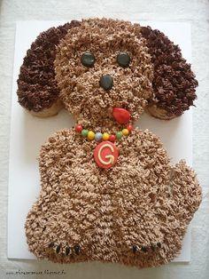 """Az áfonya mámora: """"Gömbi kutya"""" formatorta mogyorós csoki töltelékkel Gingerbread Cookies, Cake Recipes, Desserts, Cakes, Food, Gingerbread Cupcakes, Tailgate Desserts, Deserts, Easy Cake Recipes"""