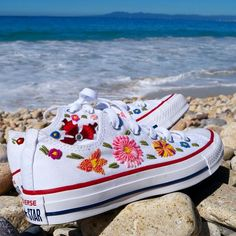 converse flowers \ converse flowers ` converse flowers aesthetic ` converse flowers all star ` converse flowers painted ` converse flowers diy ` converse flowers embroidery ` converse flowers yellow ` converse flowers girl Cute Shoes, Me Too Shoes, Mexican Quinceanera Dresses, Mexican Dresses, Boho Fashion, Fashion Shoes, Style Fashion, Converse Fashion, Winter Fashion