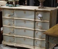 Distressed Soft Spa Chest