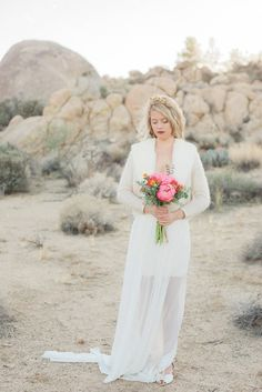 Desert wedding inspiration | Wedding & Party Ideas | 100 Layer Cake