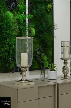 Come giardini verticali... quadri/piante vestono le pareti della tua casa in un contrasto cromatico forte ma bilanciato.