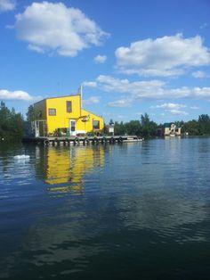 houseboat yellow