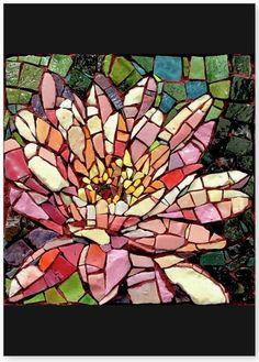 Paper Mosaic, Mosaic Tile Art, Mosaic Artwork, Diy Artwork, Mosaic Garden Art, Mosaic Flower Pots, Mosaic Art Projects, Mosaic Crafts, Free Mosaic Patterns