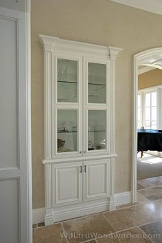 builtin-wallunit-crown-molding.jpg Click image to close this window