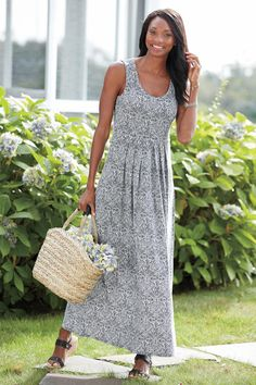 Paisley Print Long A-Line Knit Dress offers carefree style, flattering a-line silhouette, and beautiful patterns.