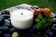 Enjoy a warm fragrance of apricot and vanilla will you do your morning yoga - soy candle with wood wick