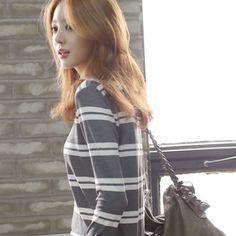 Womens Clothing Store [VANILLAMINT] Noble striped T-shirt  / Size : FREE / Price : 19.90 USD #korea #fashion #style #fashionshop #apperal #koreashop #ootd #vanillamint #t-shirt #striped