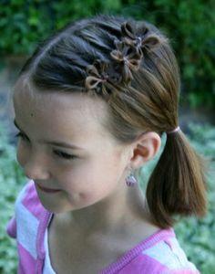 Acconciature per bambina, tutorial per fare un fiore con i capelli.... www.bebeblog.it