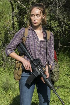 Fathom Events has announced Survival Sunday: The Walking Dead & Fear The Walking Dead exclusive fan event in theaters for one night and one night only on April Alycia Debnam Carey, Alicia Clark, Lexa The 100, Clarke And Lexa, Military Girl, Clexa, Fear The Walking Dead, Badass Women, Zombie Apocalypse
