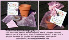 """#Bomboniera #battesimo di Letizia . Per una bimba dal nome così emblematico , abbiamo consigliato i semi di un fiore altrettanto ricco di significati : la #Gypsophila Paniculata . Soprannominata il """"prezzemolo dei #fiori"""" e relegata spesso a tappa buchi nei bouquet , la Gypsophila , per la sua leggerezza ed impalpabilità , in inglese viene chiamata """"baby's breath """",respiro di bambino . Quindi quale fiore è più adatto per festeggiare quel primo respiro che sconvolge la vita di ogni genitore?"""