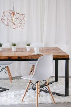 How to make a large dining table - How to make- Как сделать большой обеденный стол- Как сде… How to make a large dining table – How to make a large dining table How to make a large dining table – # concreteDiningTable - Diy Dining Room Table, Glass Dining Table, Diy Table, Wood Table, Kitchen Tables, Diy Furniture Projects, Garden Projects, Woodworking Projects, Diy Projects