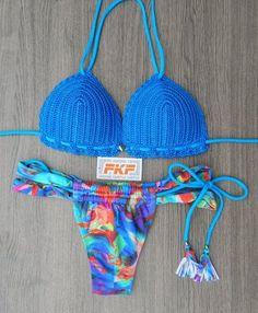 Biquíni de Crochê com bojo impermeável e calcinha cortininha tiras estampa digital - Azul vendas whatsapp 22988465603