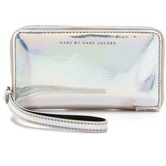 Marc by Marc Jacobs Techno Wingman Wristlet (5.455 RUB) ❤ liked on Polyvore featuring bags, handbags, clutches, purses, accessories, wallets, light holographic, hologram purse, wristlet handbags and clear clutches