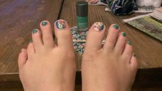 My toes are ready for an ugly Hawaiian shirt party.  #MeganKsJams  #AlohaFlowerJN http://www.megank.jamberrynails.net
