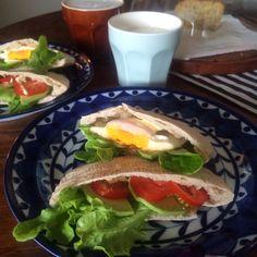 Pita pan breakfast