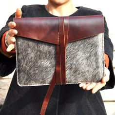 Leather iPad 2 case/holster /cover/ in brown -natural colour