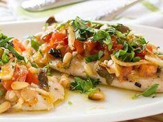 Dietní krůtí maso se zdravou zeleninou.