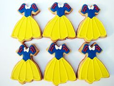 PETIT FOUR: Branca de Neve Cookies {Snow White Cookies} Fourth Birthday, Birthday Love, 3rd Birthday Parties, Birthday Party Decorations, Disney Cookies, Fun Cookies, Snow White Birthday, Royal Icing Cookies, Princesas Disney
