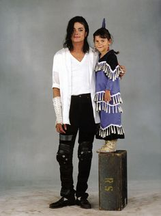 Black or White video set. Michael and cute gorgeous Sage ♥