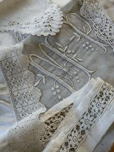 monogrammed linens - http://www.diyhomeproject.net/monogrammed-linens