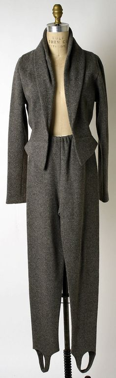 1970s gray wool knit suit by Geoffrey Beene.  Accession Number  2001.393.17a,b MET