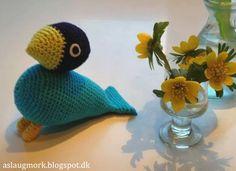 Strikkefåret: Hæklet fugl Crochet Birds, Crochet Animals, Crochet For Kids, Diy Crochet, Crochet Toys, Crochet Ideas, Crochet Designs, Crochet Patterns, Felt Birds