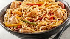 Wokken | VTM Koken Vegetable Noodles, Vegetable Stir Fry, Noodle Recipes, Beef Recipes, Pizza Wraps, Healthy Stir Fry, Low Sodium Soy Sauce, Fried Vegetables, Food And Drink