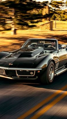 The Corvette Stingray is one of the most popular sports cars of all time. The Stingray goes all the way back to the and is still produced today. Chevrolet Corvette Stingray, 1969 Corvette, Old Corvette, Classic Corvette, Car Chevrolet, Us Cars, Sport Cars, Convertible, Unique Cars